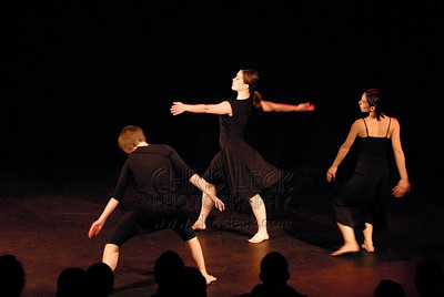 'Effective Methods/Defective Action' performed by Esther Lapointe, Cedar Hunt Levine, Keely McIntyre, Laura Nash, and Joan Scott . Choreography: Faith Hunt Levine.
