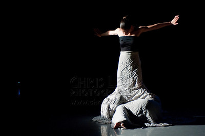 'Axes' performed by Carlyn Hudson and Rita Pang. Choreography: Kate Rafter