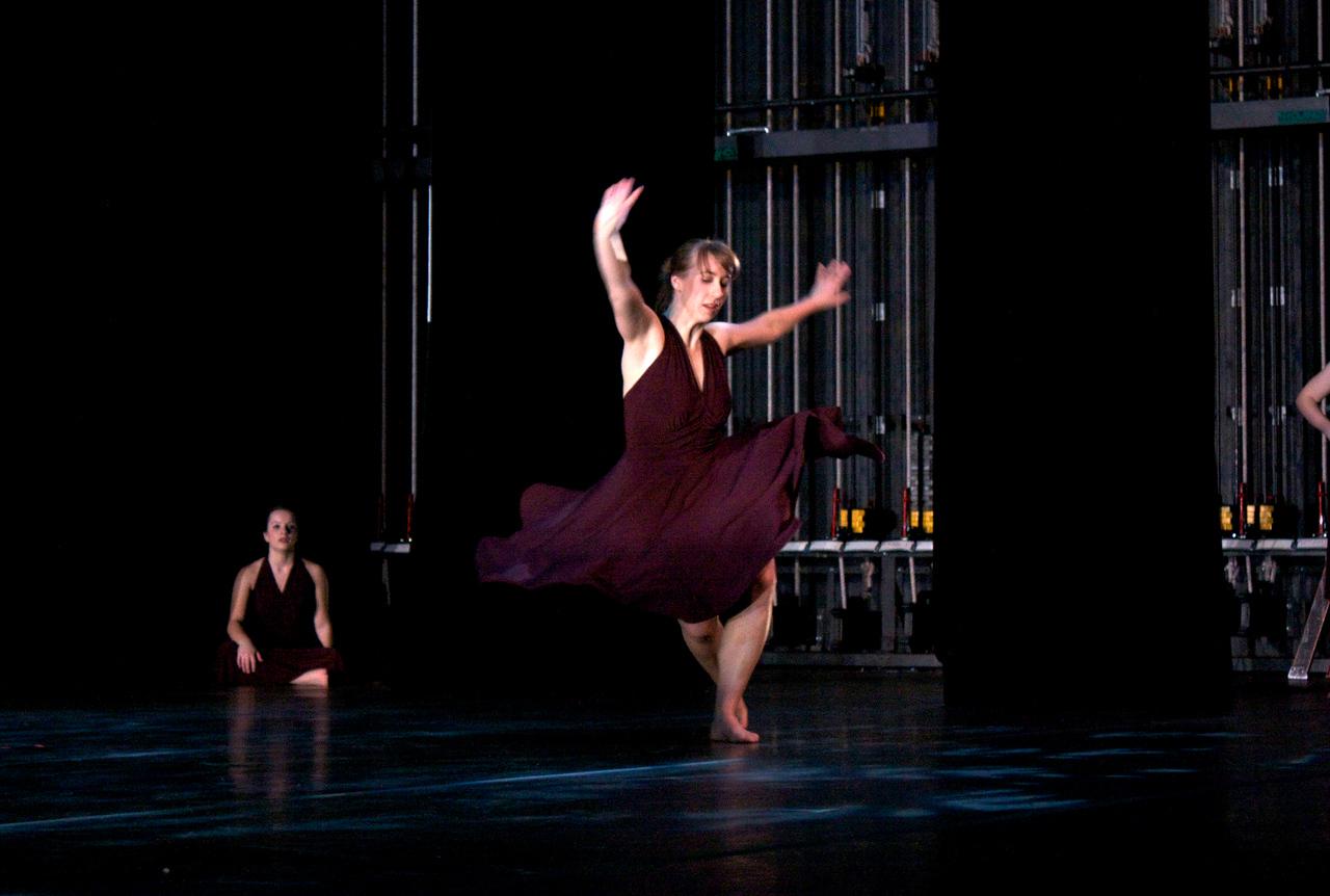 Dance wkshp -troupe 320100121_0103