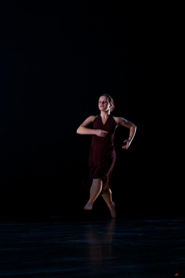 Dance wkshp -troupe 320100121_0121