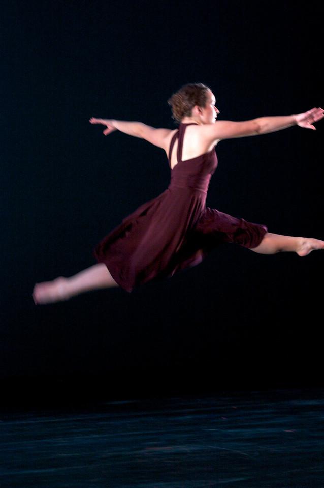 Dance wkshp -troupe 320100121_0123