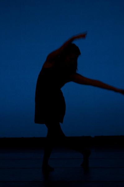 Dance wkshp -troupe 120100121_0053