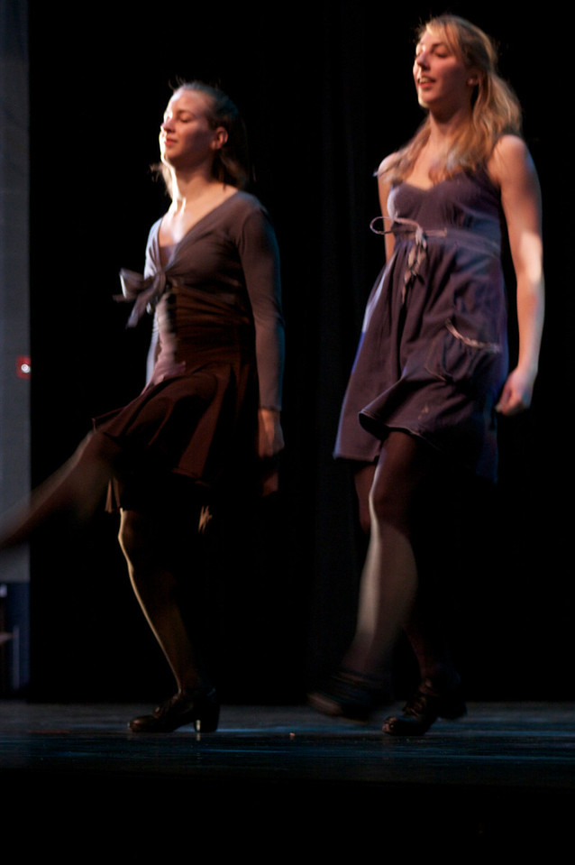 Dance wkshp -troupe 120100121_0047