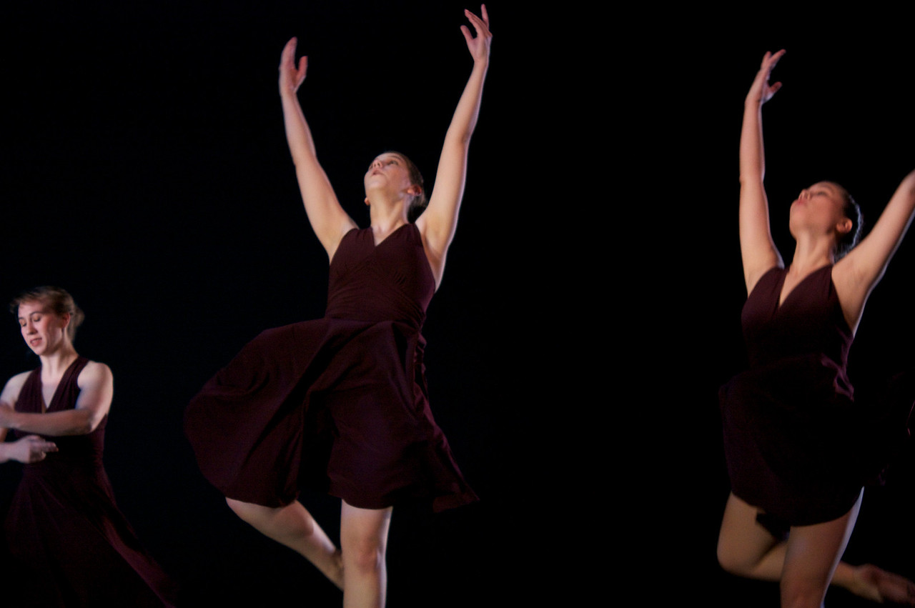 Dance wkshp -troupe 120100121_0026