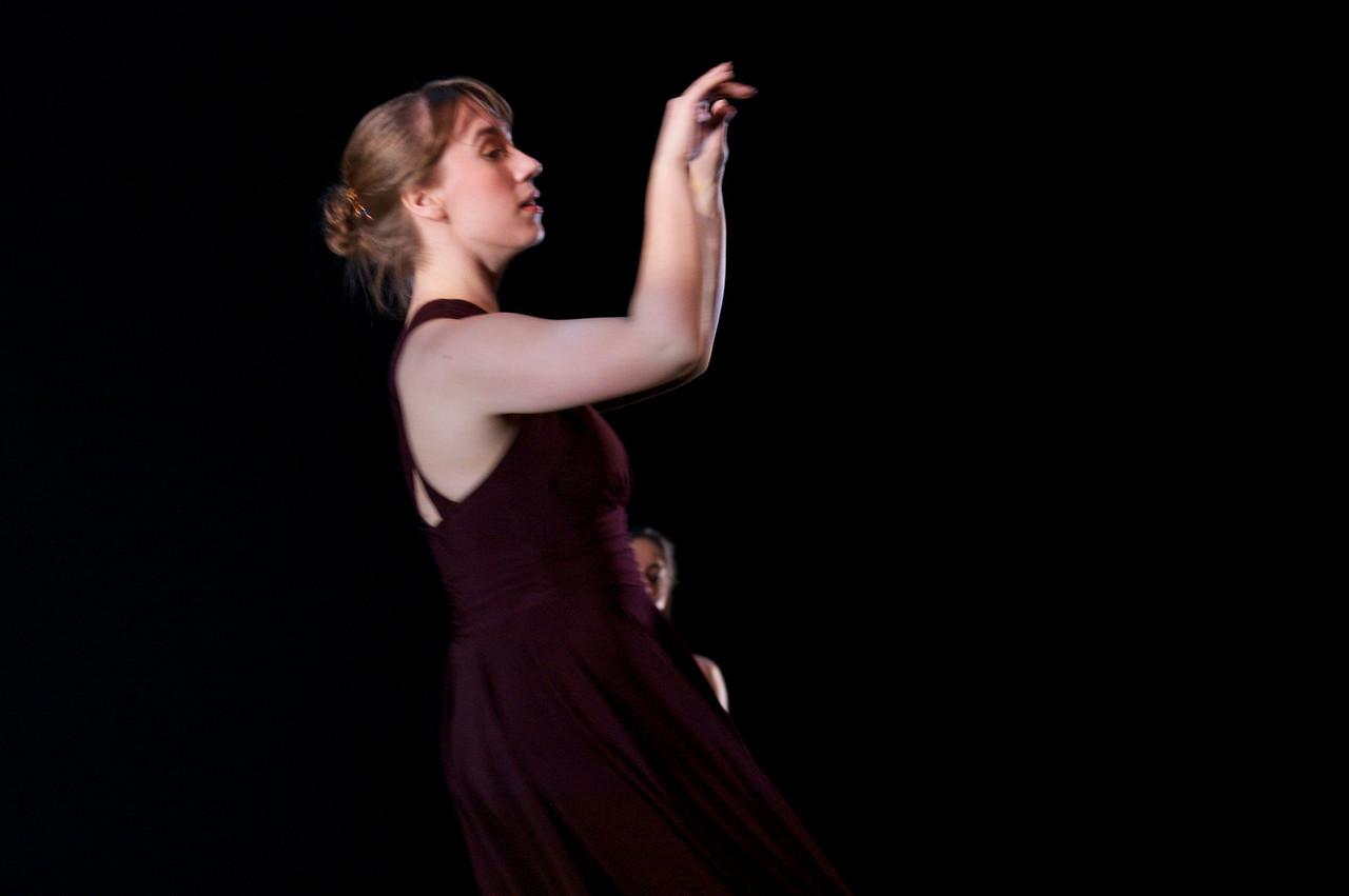 Dance wkshp -troupe 120100121_0019