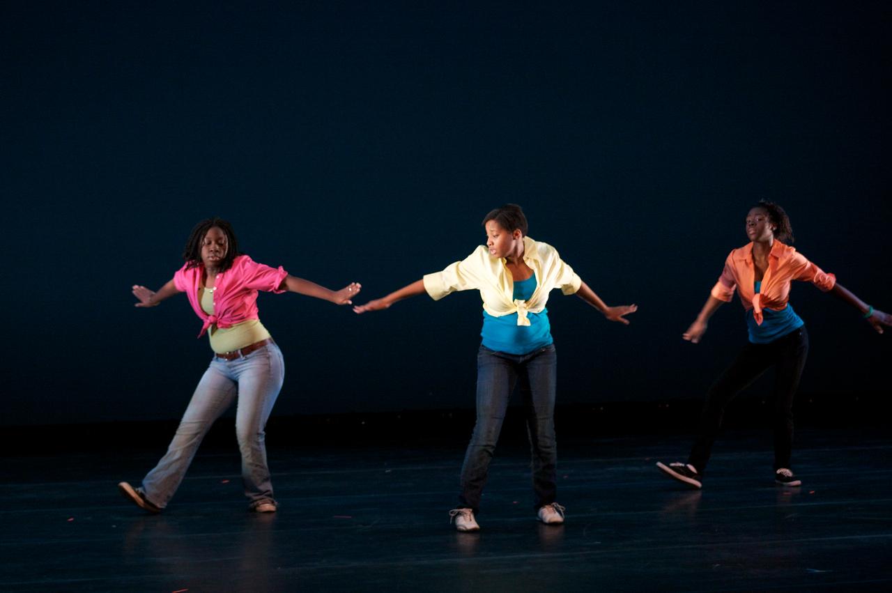Dance wkshp -troupe 220100121_0068