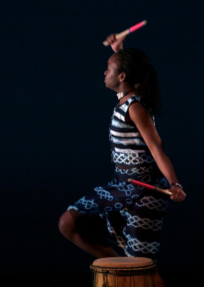 Dance wkshp -troupe 120100121_0005