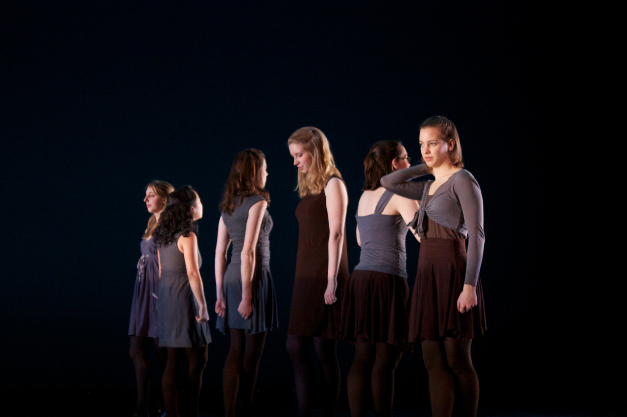 Dance wkshp -troupe 420100121_0161