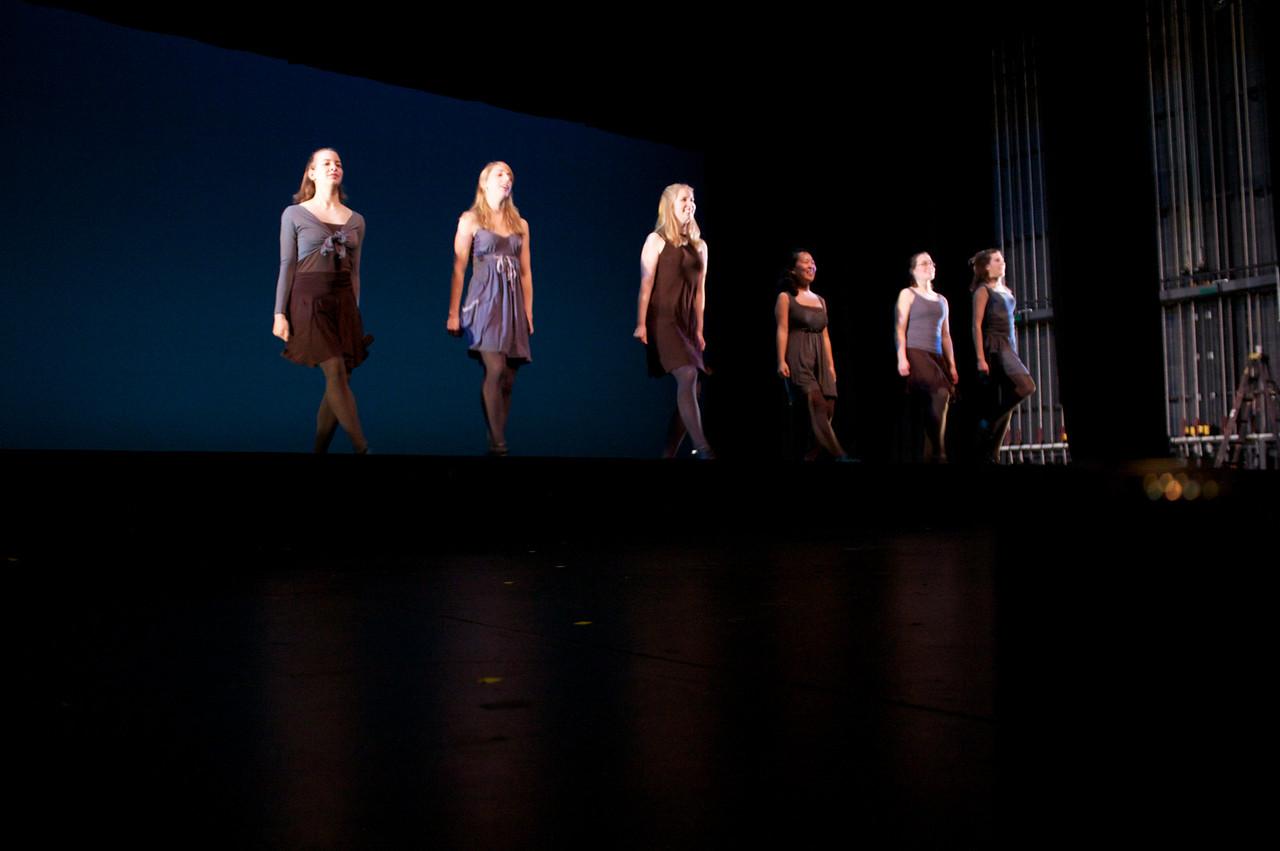 Dance wkshp -troupe 120100121_0038