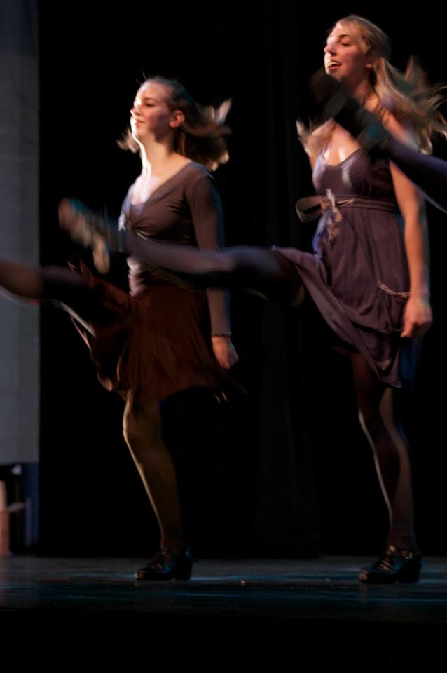 Dance wkshp -troupe 120100121_0048