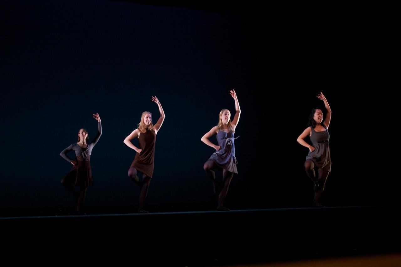 Dance wkshp -troupe 420100121_0143