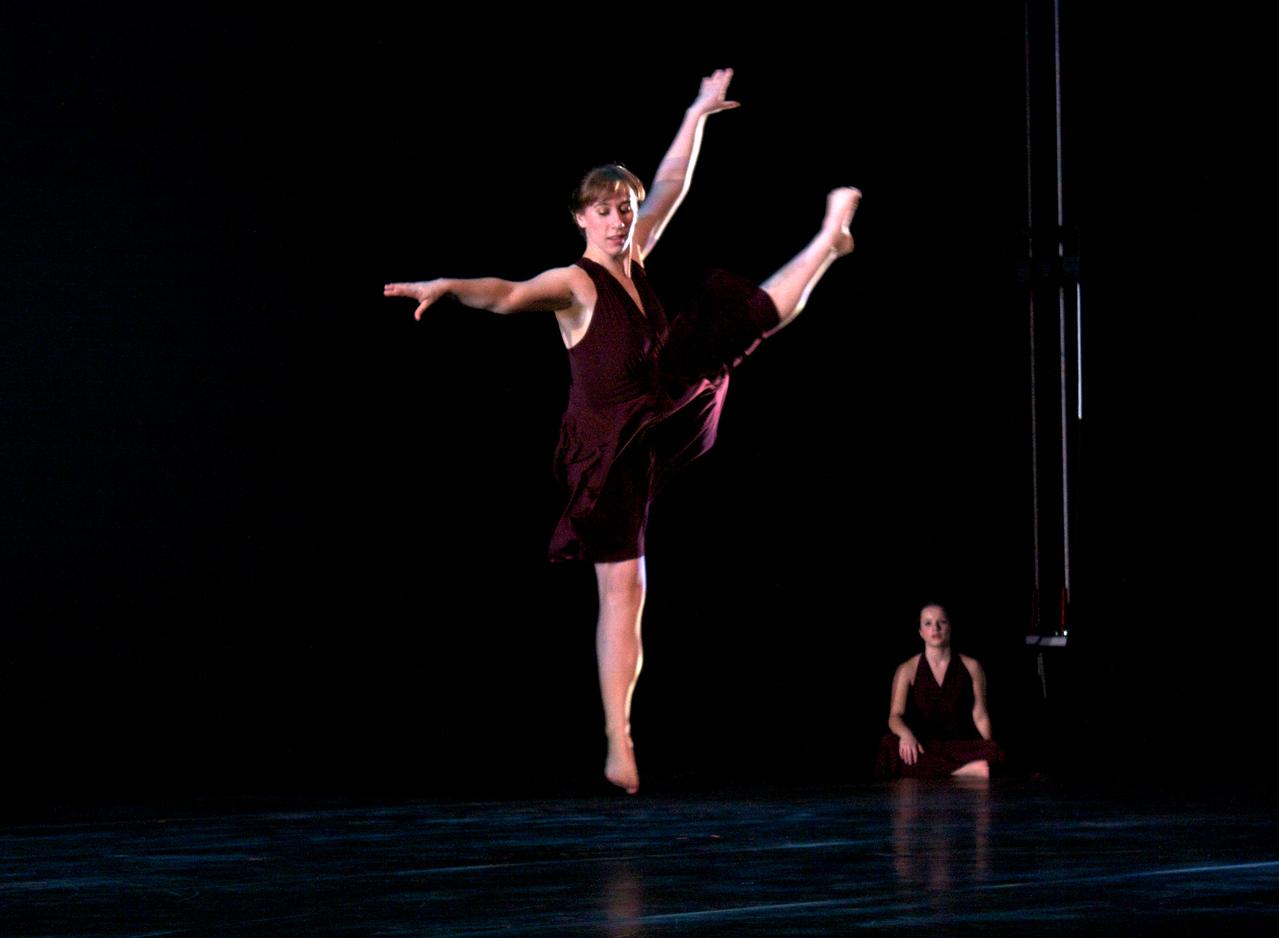 Dance wkshp -troupe 320100121_0104