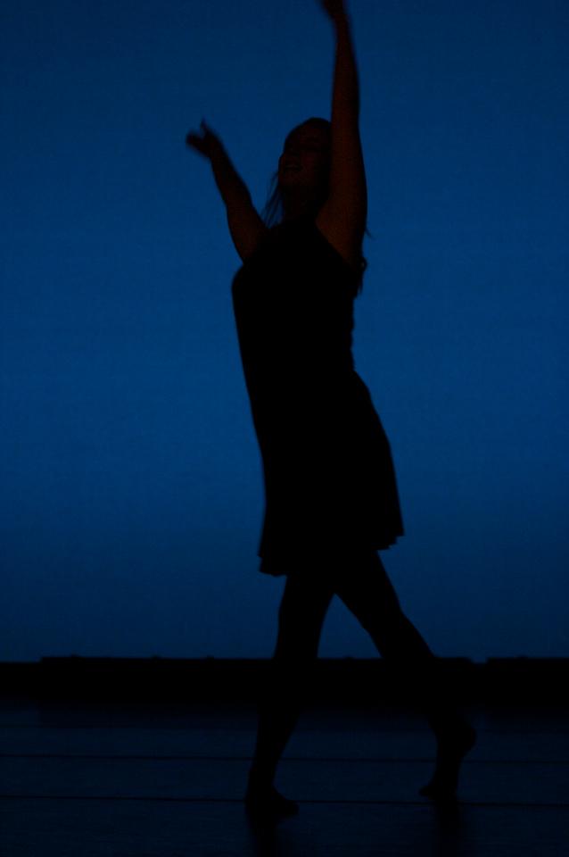 Dance wkshp -troupe 120100121_0052