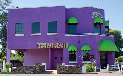 Very purple AZ restaurant 0140
