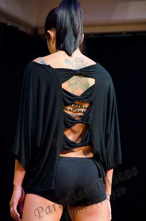 Tattoo Dancer's back 0412 6765