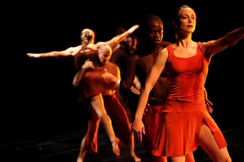 00aFavorite 20091206 Gaspard and Dancers - 5  'Innercurrent' (6683nn, 403p, c2009 Dilip Barman)