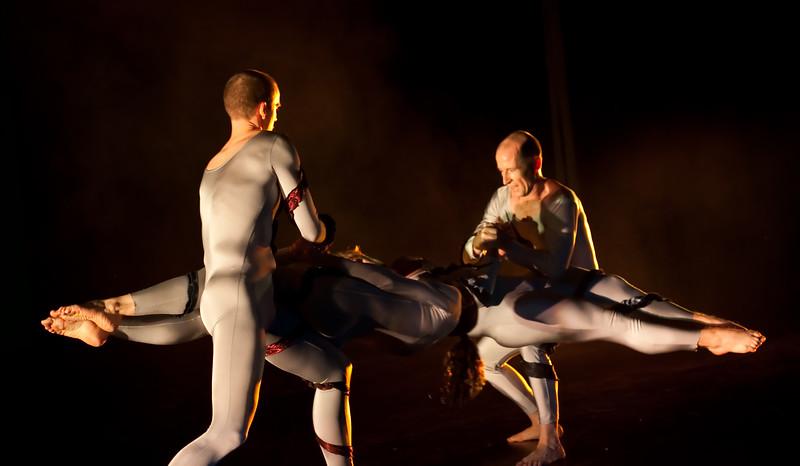 00aFavorite 20091206 Gaspard and Dancers - 1 'Anemone' (6389nn, 235p, c2009 Dilip Barman)