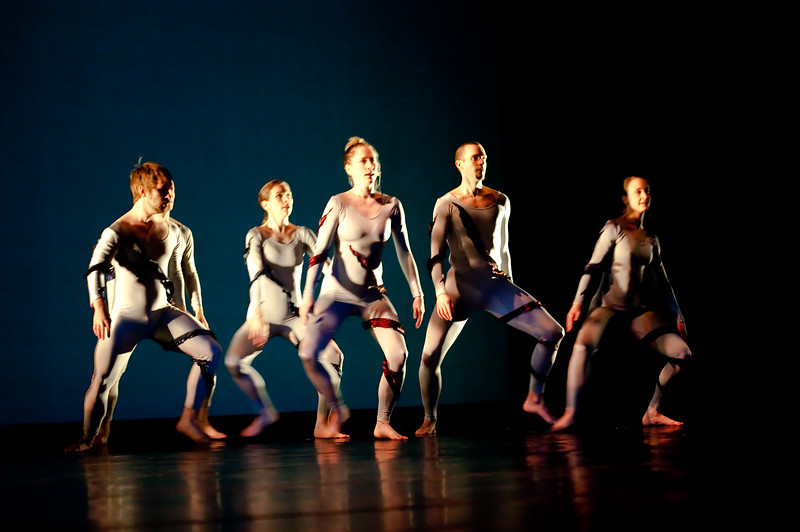 20091206 Gaspard and Dancers - 1 'Anemone' (6378nn, 233p, c2009 Dilip Barman)