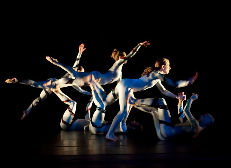 20091206 Gaspard and Dancers - 1 'Anemone' (6364nn, 229p, c2009 Dilip Barman)