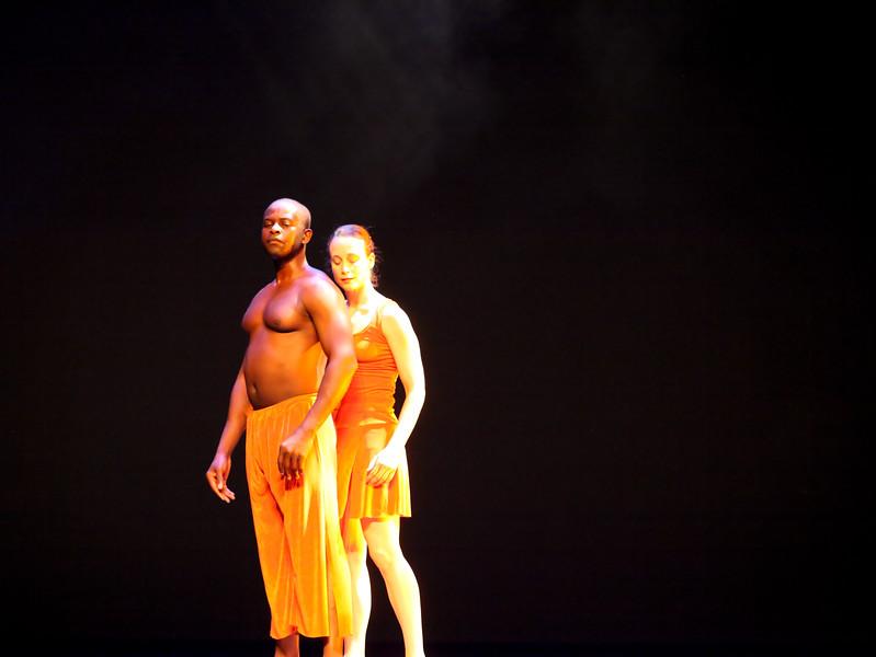 20091206 Gaspard and Dancers - 5  'Innercurrent' (6671nn, 401p, c2009 Dilip Barman)