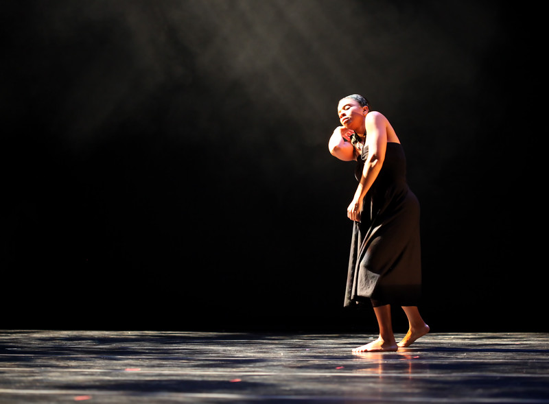 20091206 Gaspard and Dancers - 4 'Kenbe Pa Lage' (6578nn, 342p, c2009 Dilip Barman)