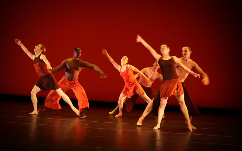 20091206 Gaspard and Dancers - 5  'Innercurrent' (6602nn, 349p, c2009 Dilip Barman)