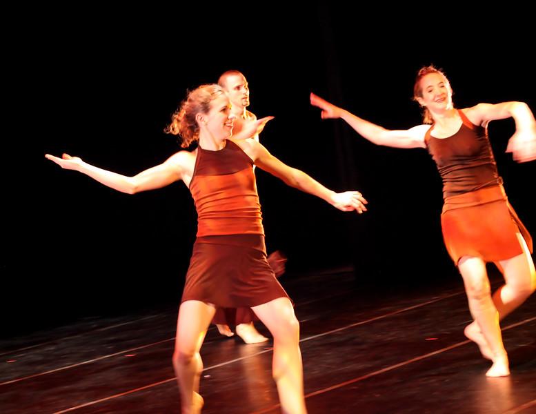 20091206 Gaspard and Dancers - 5  'Innercurrent' (6689nn, 404p, c2009 Dilip Barman)