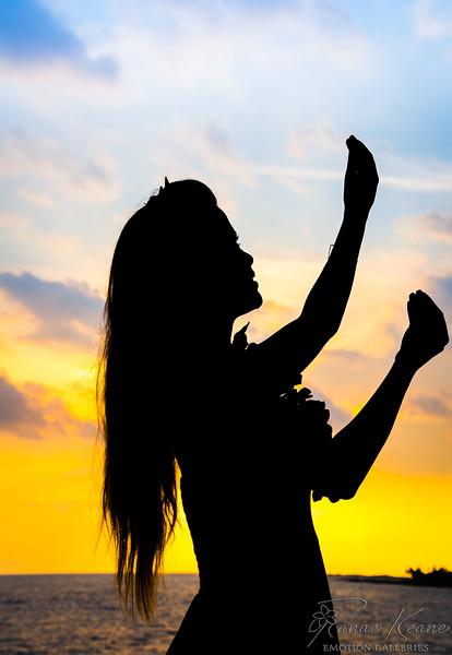 Hula Dancer ©2017 Ranae Keane-Bamsey Photography www.EMotionGalleries.com