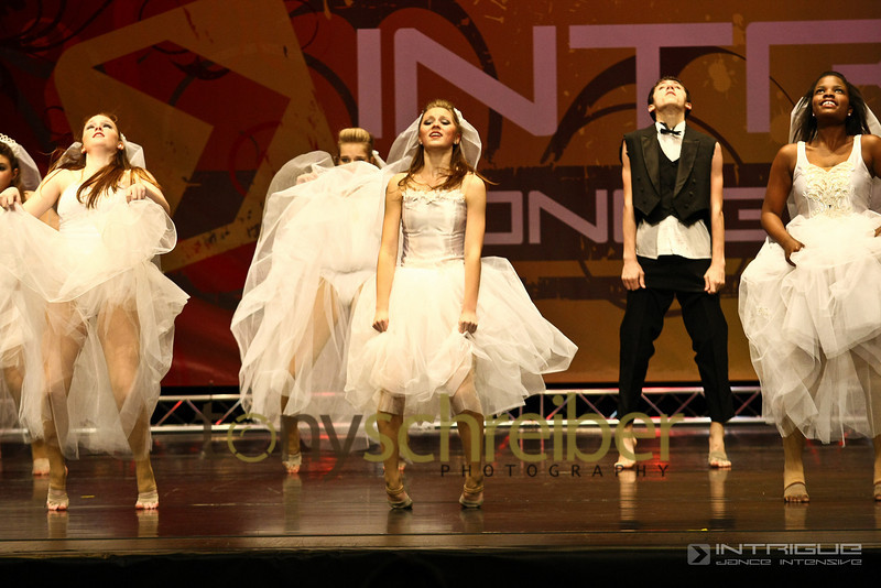 081 - Wedding Dress