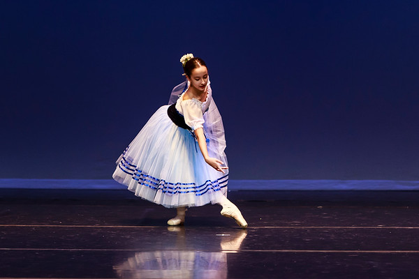 _P1R4727 - 121 Selene Malench, Classical, Giselle Act I