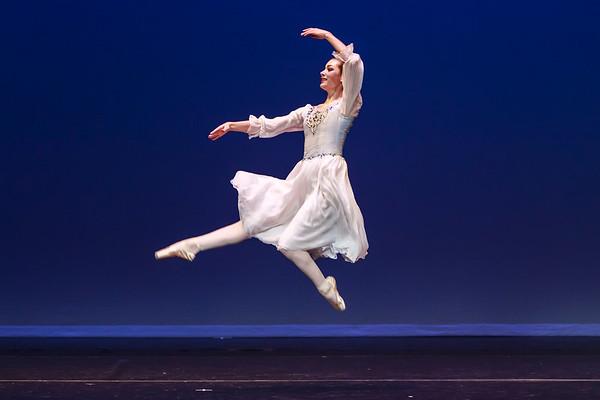 _P1R6892 - 144 Margaret Rhea, Classical, Swan Lake Pas de Trois