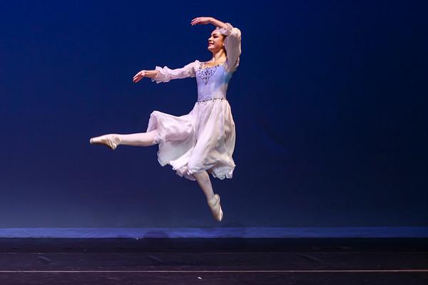 _P1R6882 - 144 Margaret Rhea, Classical, Swan Lake Pas de Trois