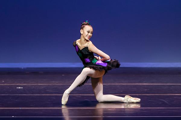 _P1R6841 - 143 Vivian Li, Classical, Harlequinade