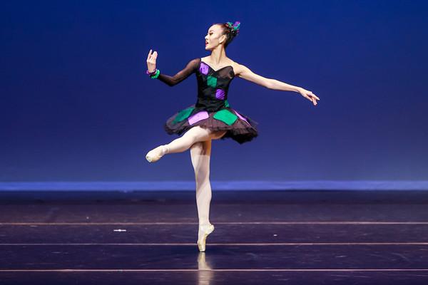 _P1R6838 - 143 Vivian Li, Classical, Harlequinade