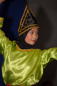 Indang Dance and the Plate Dance (West Sumatra, Indonesia) performed by Rumah Gadang Group USA