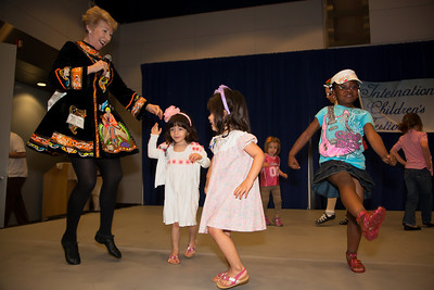 Laureen O'Neill-James teaches kids an Irish Dance
