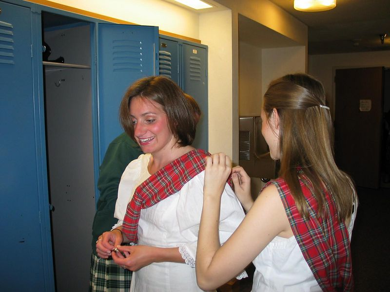 Pinning on sashes ( which shoulder is it again?)