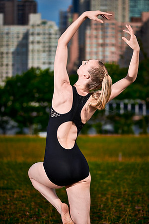 June 29, 2019 - New York, NY   Dancer/ Fitness Model Lindsey L. Miller at Roosevelt Island  Danznmotion apparel  Photographer- Robert Altman Post-production- Robert Altman