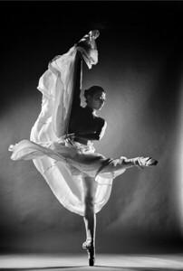 Dec. 29,  2019 - New York, NY   Dancer Mia Li of the Met Opera captured in studio  Photographer- Robert Altman Post-production- Robert Altman