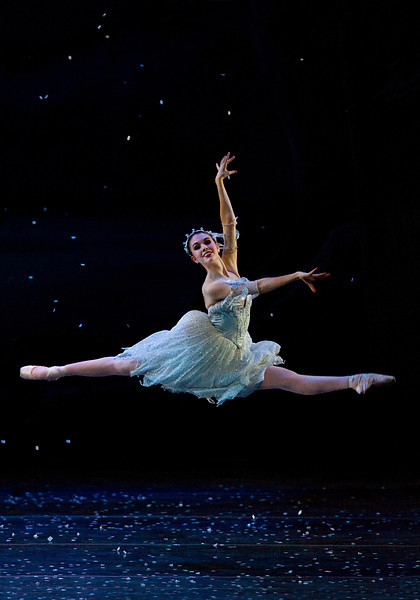 Kelsie Nobriga in Snow Scene of OBT's production of Balanchine's The Nutcracker.