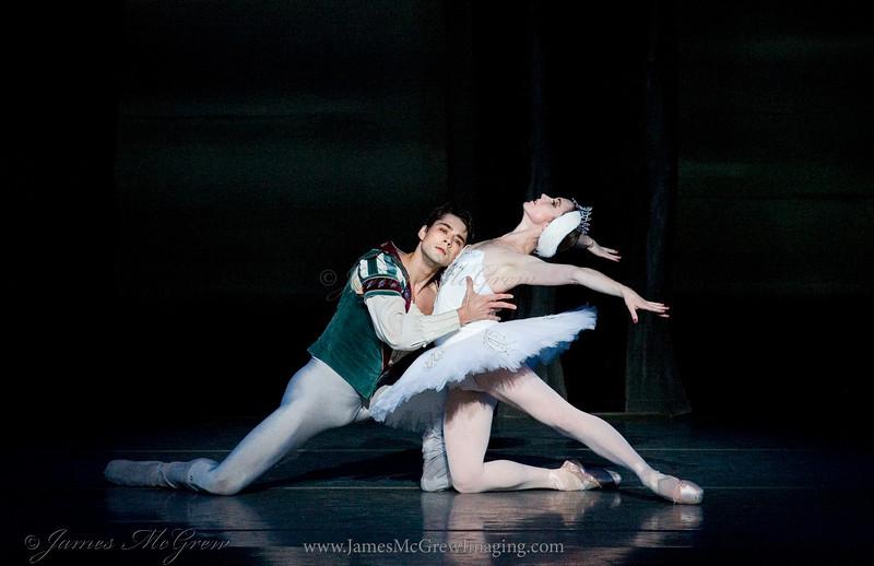 Principal Dancers Artur Sultanov and Alison Roper in Swan Lake.