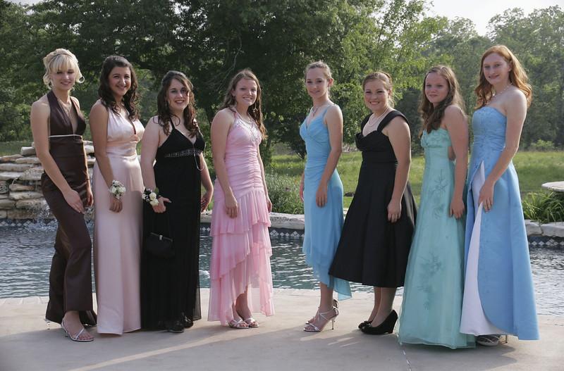 The girls - Carolin, Seth, Anika, Rainee, Janae, Catie, Cristi & Cassie