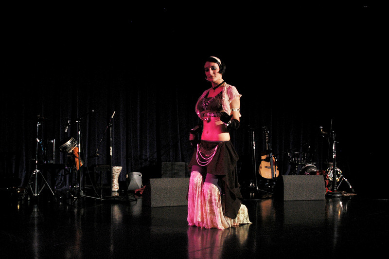"""Liz DiMaggio of Memphis Raqs, Memphis, TN<br />  <a href=""""http://www.memphisraqs.com"""">http://www.memphisraqs.com</a>"""