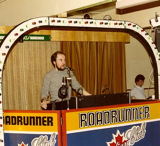 DPB-137: David Barr in DJ mode with his Roadrunner Roadshow