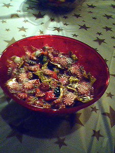 Another candy bowl