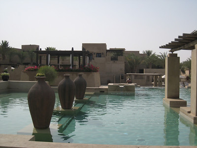 Couldn't help it, I had to put in a couple of shots of the beautiful pool at Bab al Shams.