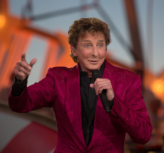 PBS Capitol Fourth Concert (2013) - Barry Manilow