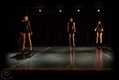 Sinew, Choreographed by Kelsey Hobbs