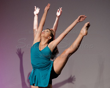 """Grow"" University of Texas Dance Repertory Theatre Choreography: Andrea Beckham"