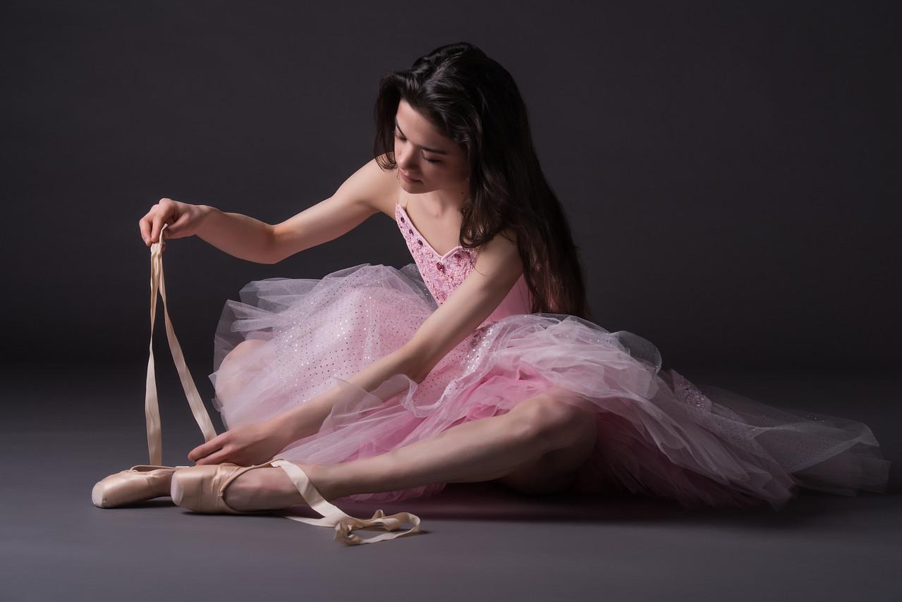 Dancer: Laurie Deziel,  Martha Graham Dance Company